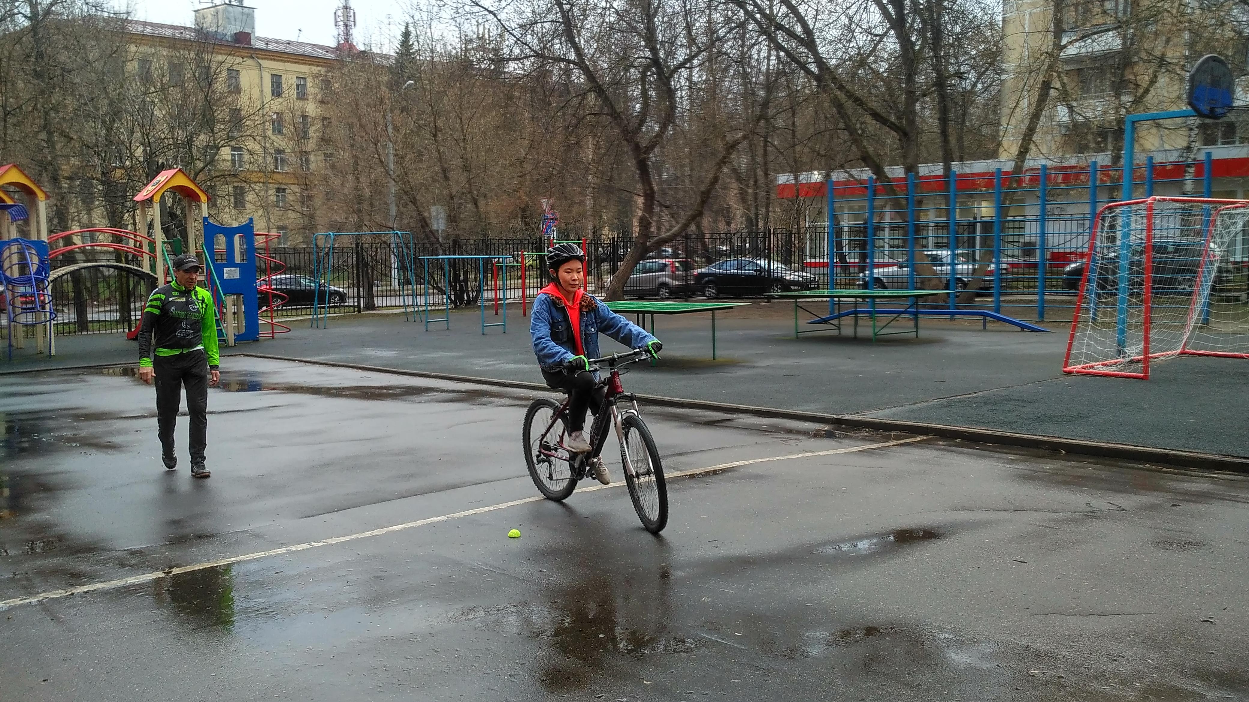 Урок катания на велосипеде для взрослых с нуля