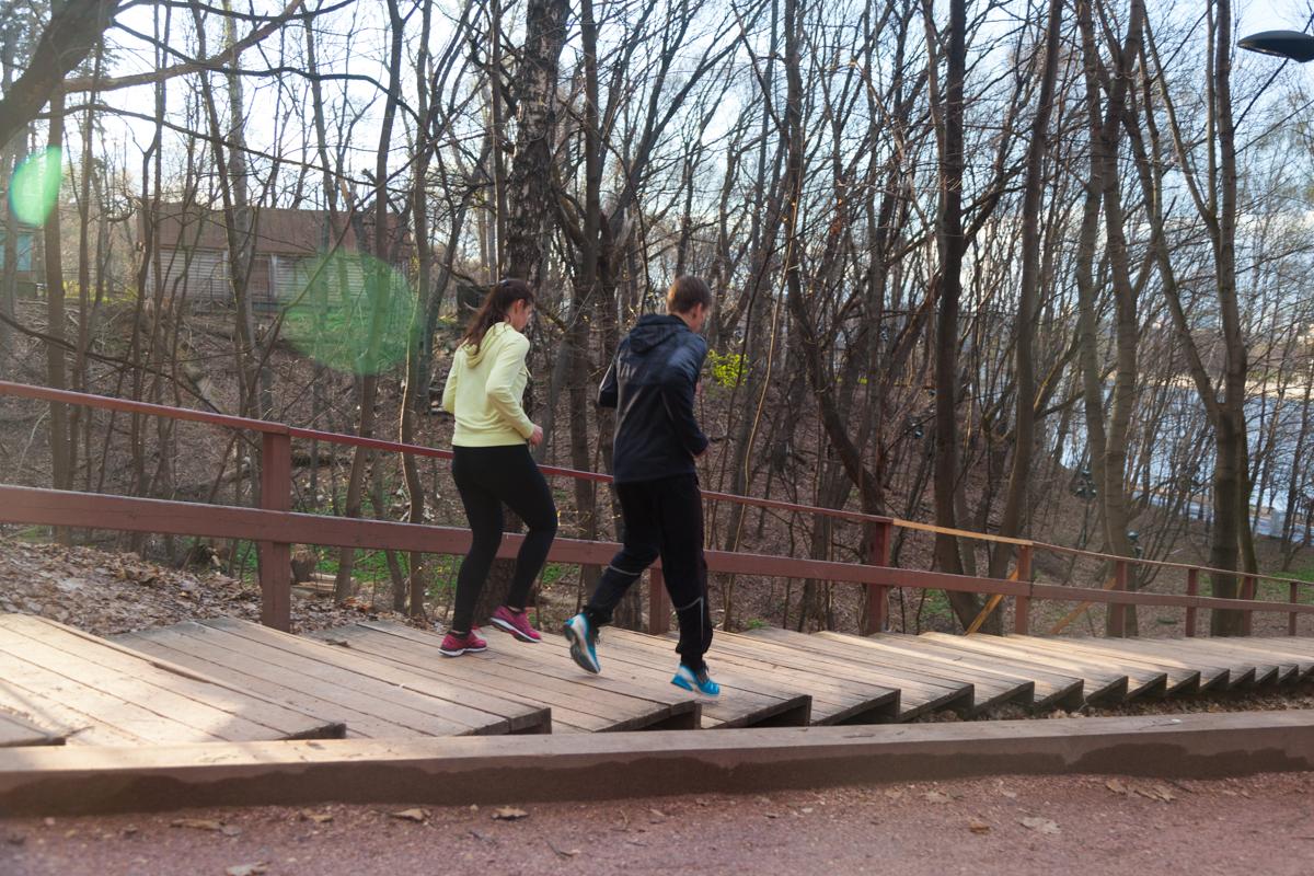 тренировка по бегу с тренером STRELA Владимиром Метелкиным. Место занятий: Воробьевы горы