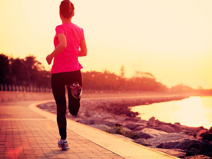 женщина любит бегать