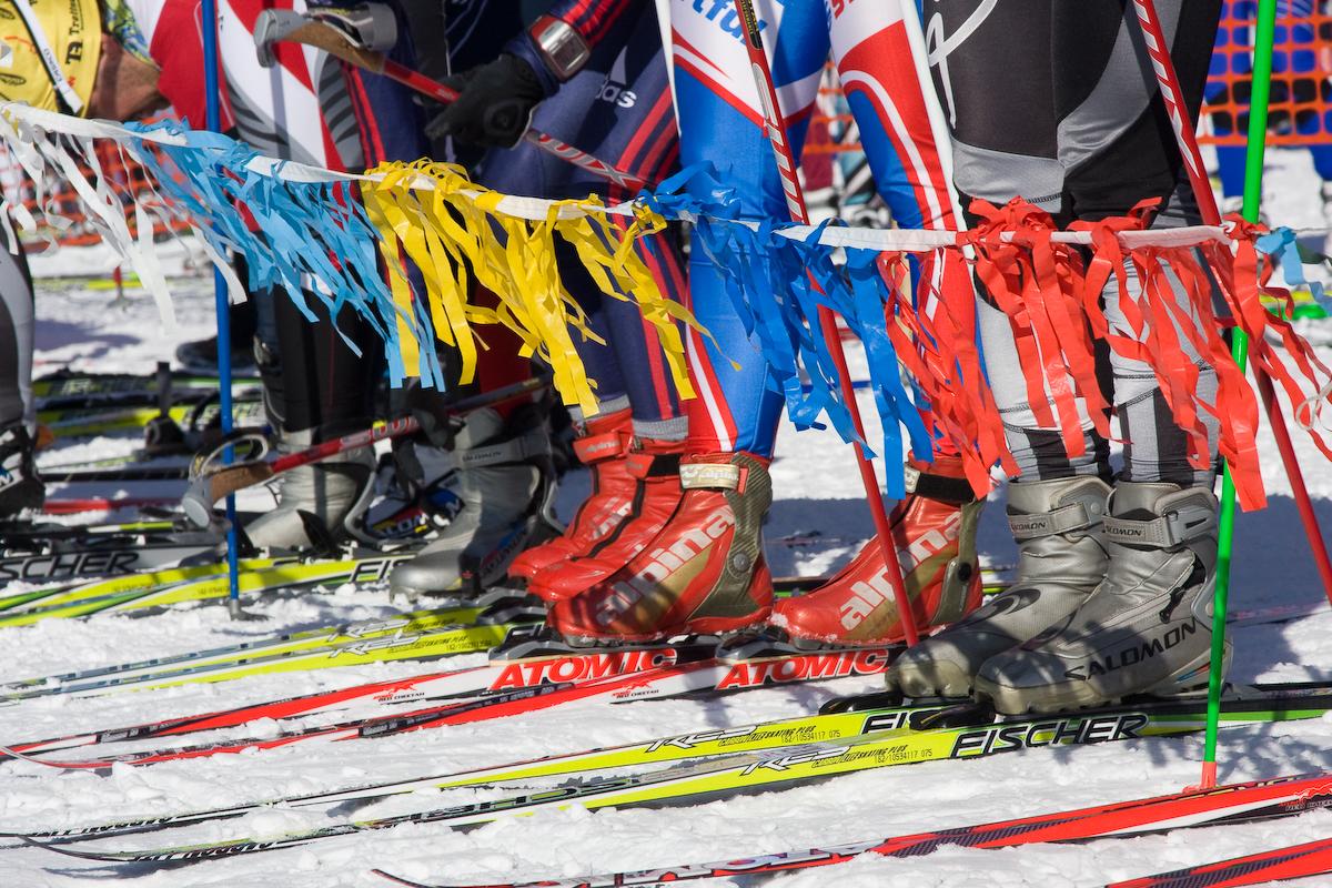 на старте лыжных соревнований